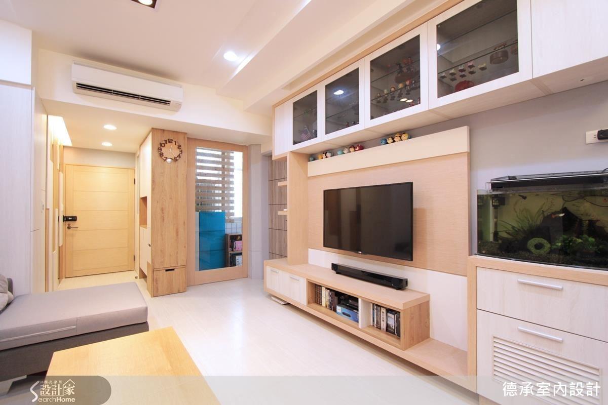 櫃體以木皮或簡潔的白色呈現,讓量體造型感、層次感更添變化。