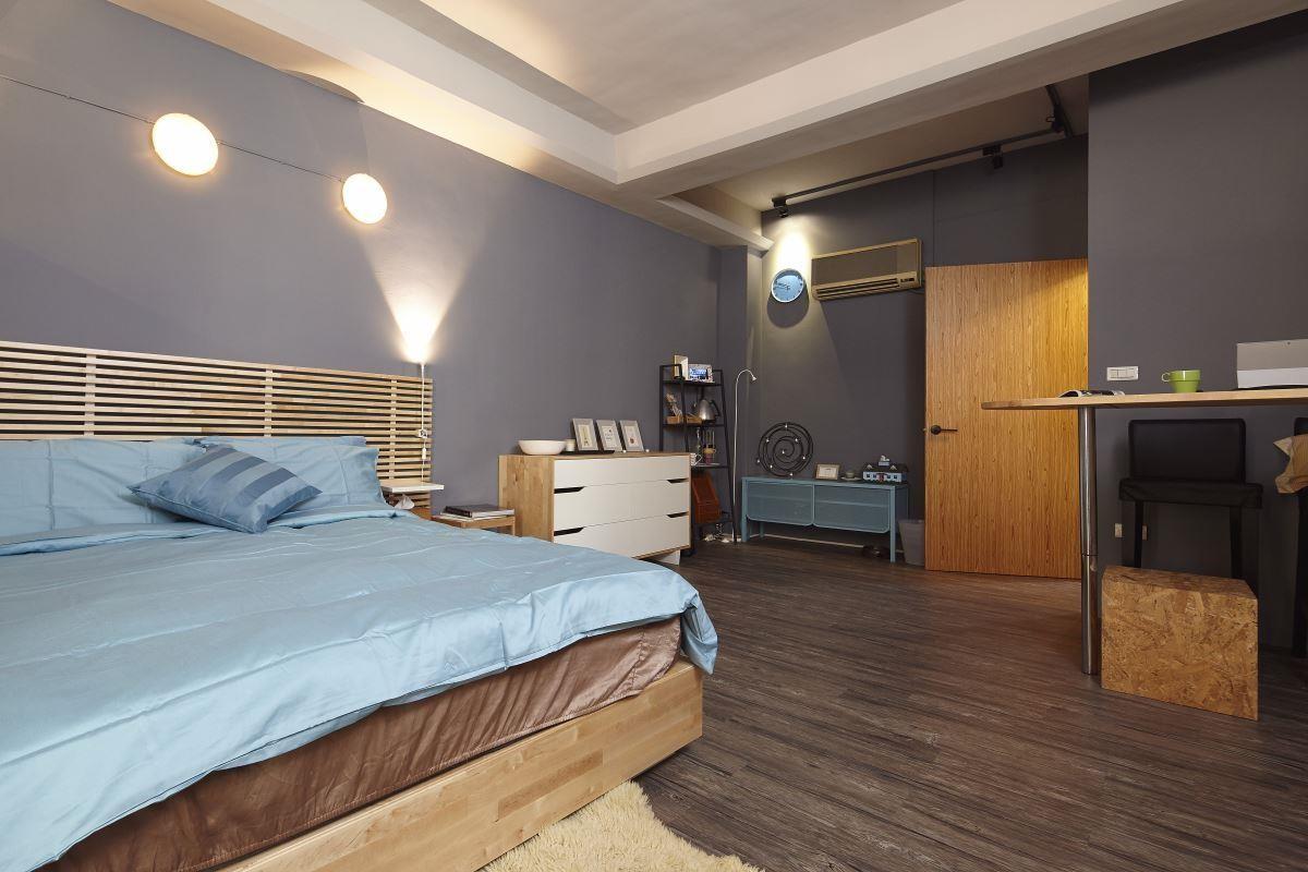 利用一面衣櫃,即能巧妙結合客廳與臥房機能,同時滿足光感與隱私需求!