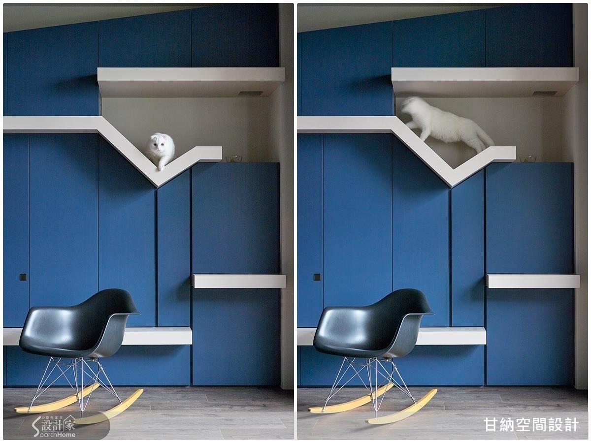 藍色主牆上勾勒出白色線條,不只是「Catwalk」,同時富有造型上的趣味,也可以當作收納的展示層架。