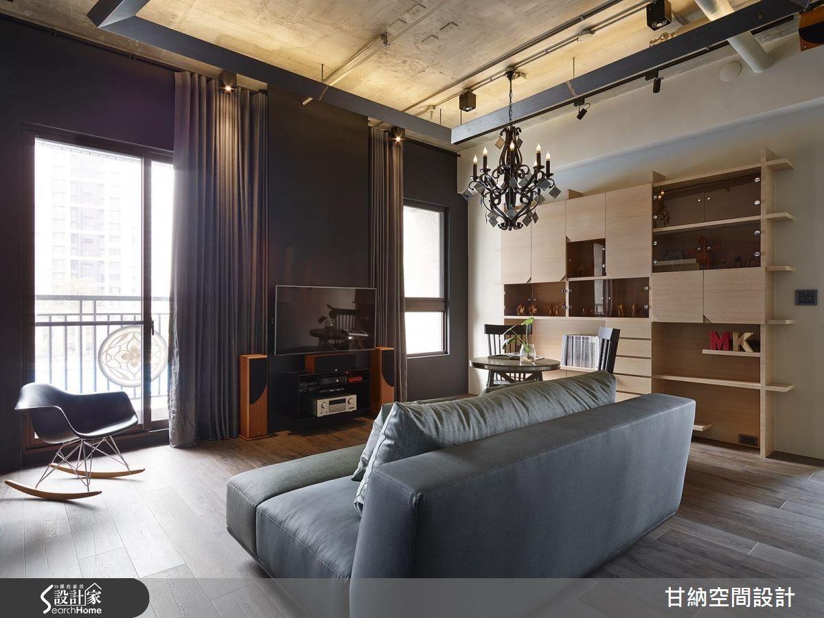 寬敞的客廳完整納入了明亮採光,讓人完全想像不到這個空間竟然只有 19 坪!