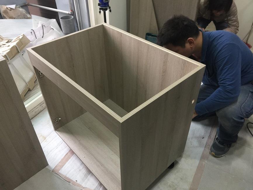 以桶身設計的系統櫥櫃,方便未來拆裝移動。