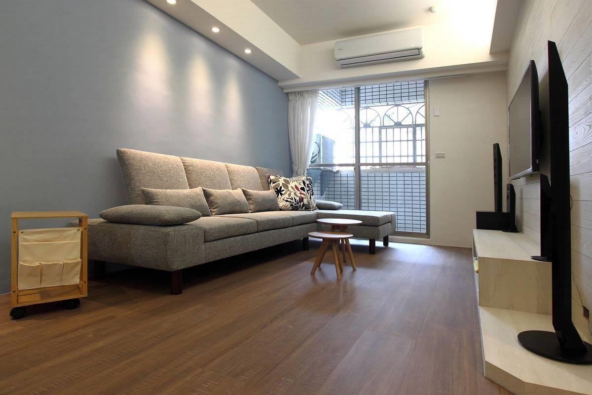 即使空間不大,大型沙發未必不可。低扶手薄椅背的款式,可降低對空間造成的壓迫感。(水泱泱沙發)