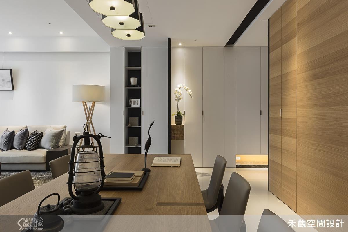 簡潔設計的空間中,藉由灰玻、木素材等元素,勾勒出協調且溫暖的空間意象。