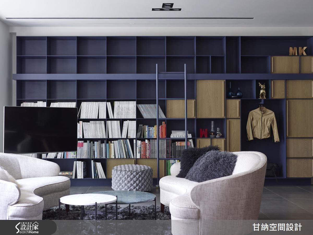 一整面的櫃體以各式線條比例分割,書本、物件或衣物都可以是擺置的內容,保有屋主空間樣貌的自主權,給予相當程度的自由和空間。