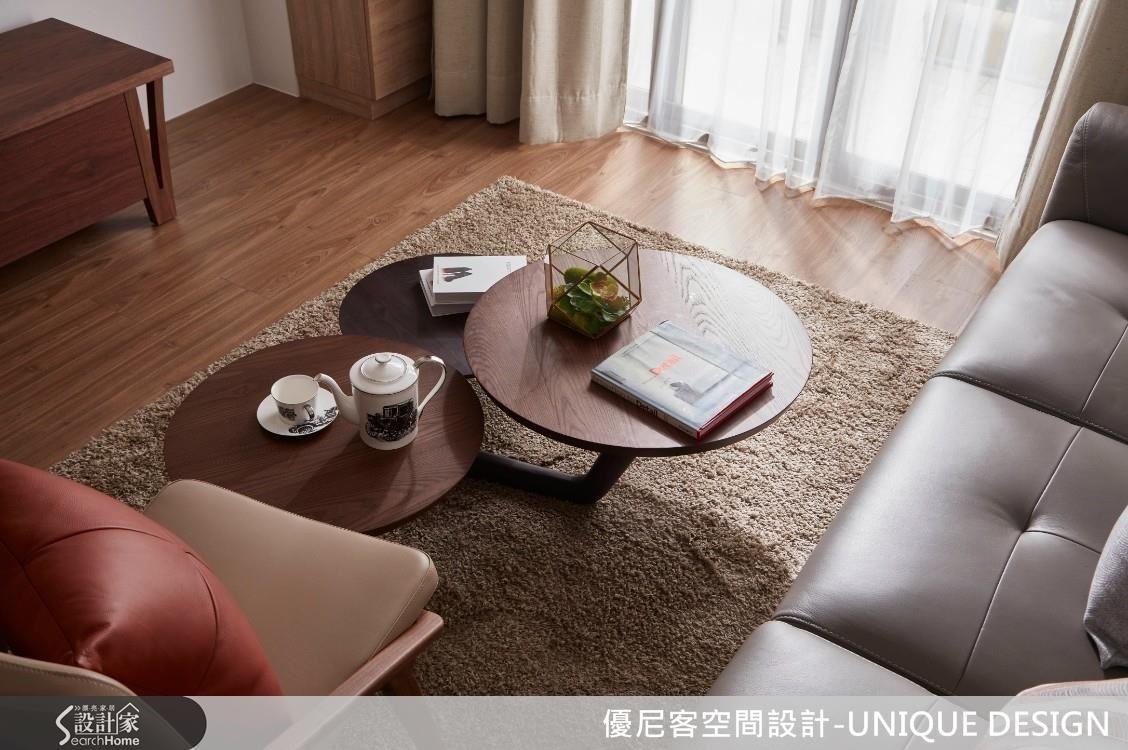 設計師給出挑選家具的篩選建議,並將決定權還給業主,回歸使用者的舒適本質。