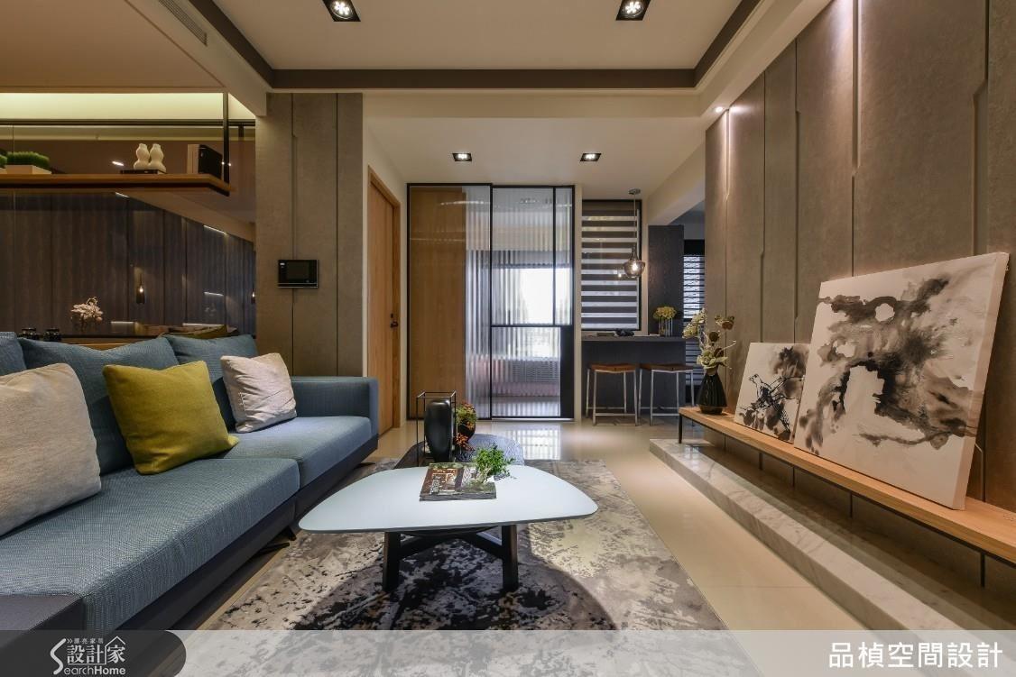 小坪數不需要過度的明確區隔,利用材質劃分場域打造空間寬敞感,建構一個機能完整具溫度的家。