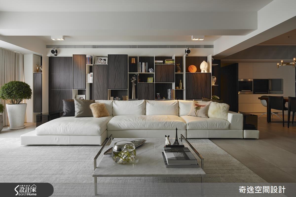 當你的屋案擁有大面積採光,更別忘了善用優勢,如本案 180 度翻轉客廳,讓優良光線發揮的淋漓盡致!