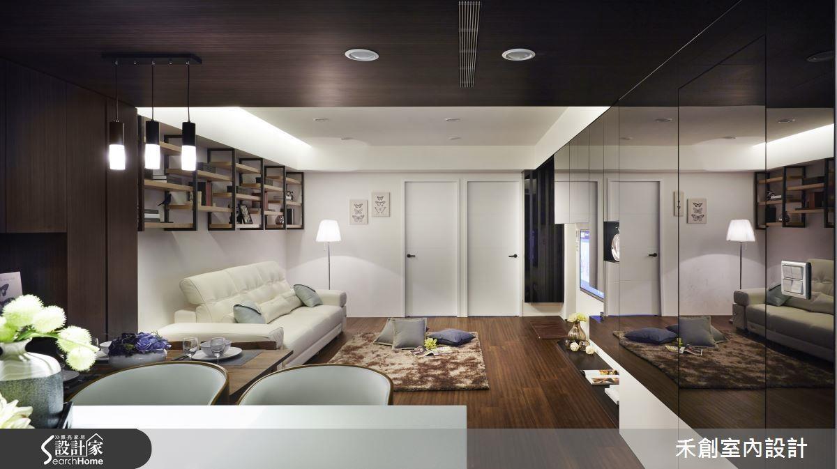 善用暖白間接照明、烤玻材質與懸吊式收納,解除壓迫性、放大空間外,更為沒有開窗的公領域帶來明亮感受。