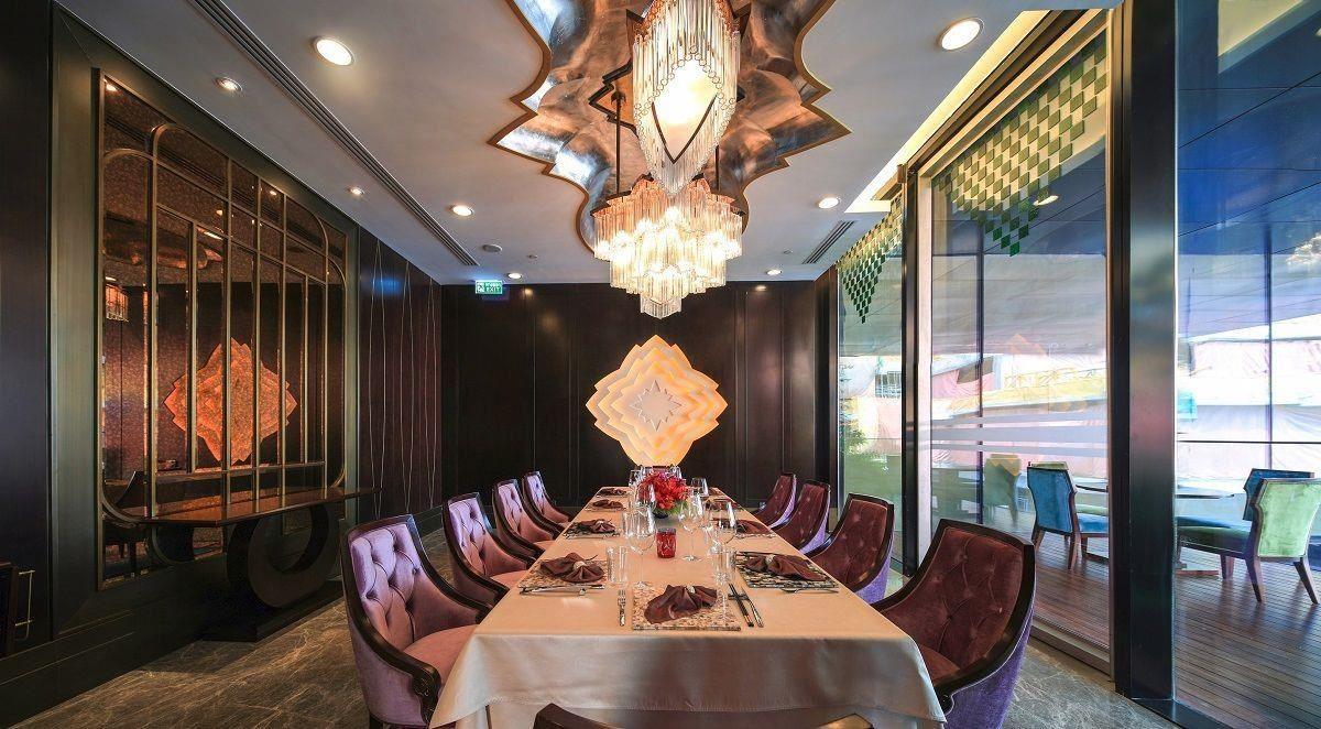 頂級餐廳M Krub。