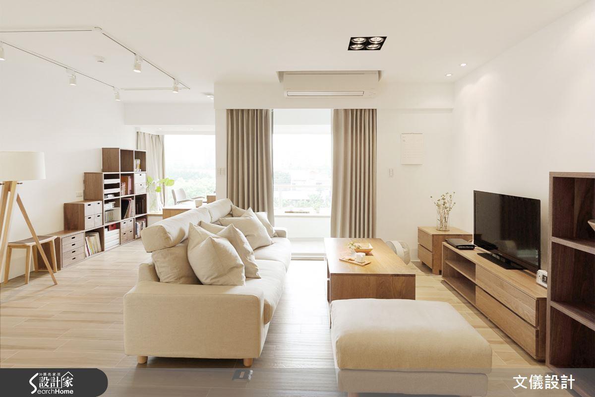 以木紋磚地坪搭配色調輕淺的木質家具,便能精準提升室內明亮度。