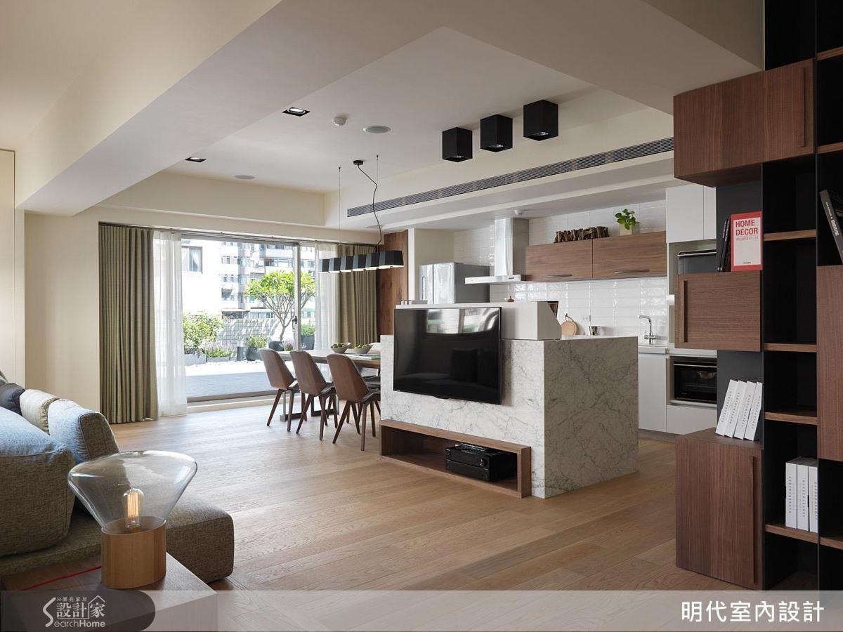 相較其他建材,橡木擁有堅實、韌性、耐腐等優點,更為居家帶來溫潤景致。