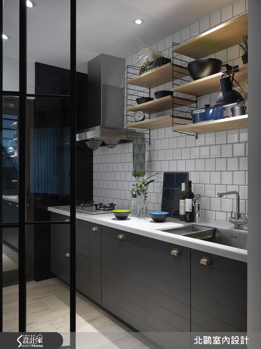 一字型直接掌握清洗、食材處理與烹飪動線尤佳,建議與水槽與瓦斯爐間隔介於 40 ~ 100 公分,輕鬆避免水火煞的風水問題。
