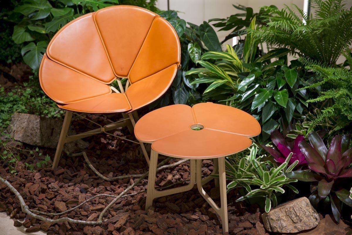 Raw Edges 的Concertina桌椅,可折疊攜帶。