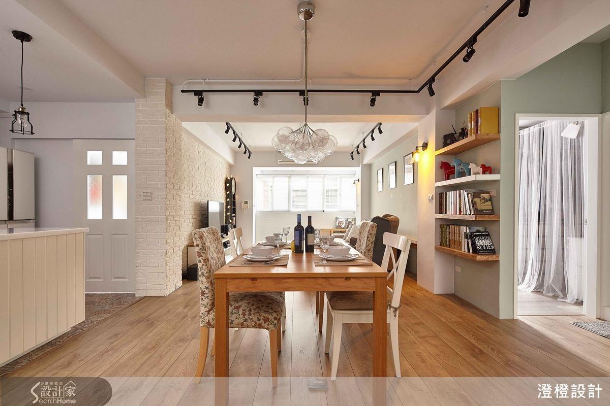 以預算為最大考量點,利用IKEA 家具搭配訂做設計,大幅減省經費外,也能兼顧道地的用餐氛圍。