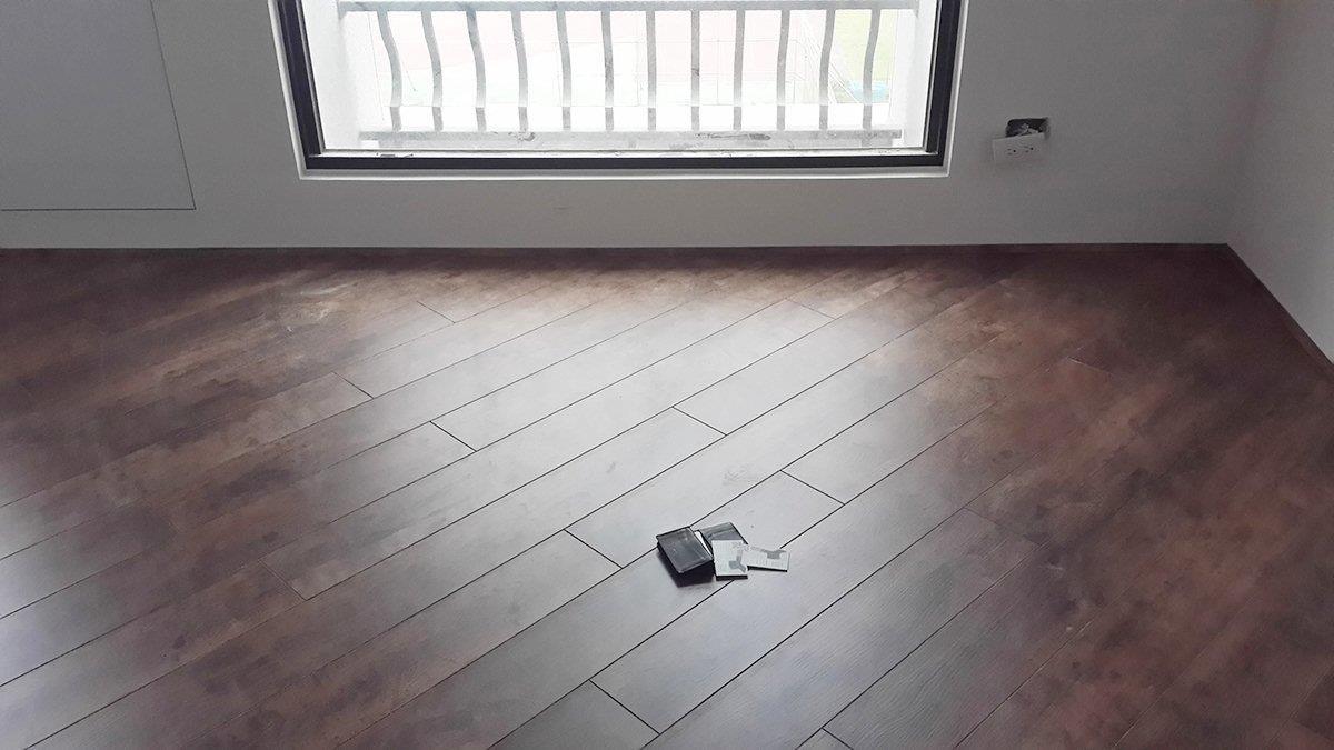 實木地板透氣、溫溼度調節功能最好,但價格也最貴。圖片提供_地板王