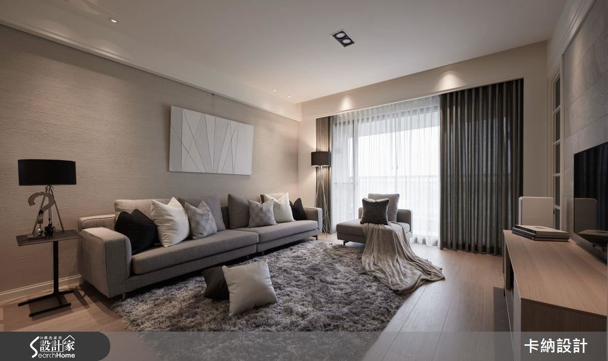 自然光源的渲染下,空間一脫犀利印象,展演暖白與藤色系的家居暖度。