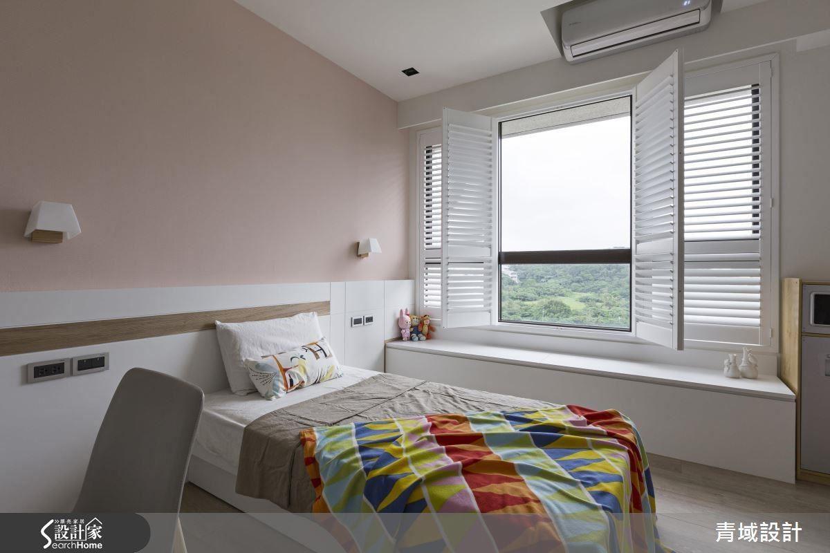 美景當前,窗旁也可設置臥榻或座椅,在家也能享受悠閒的民宿步調。