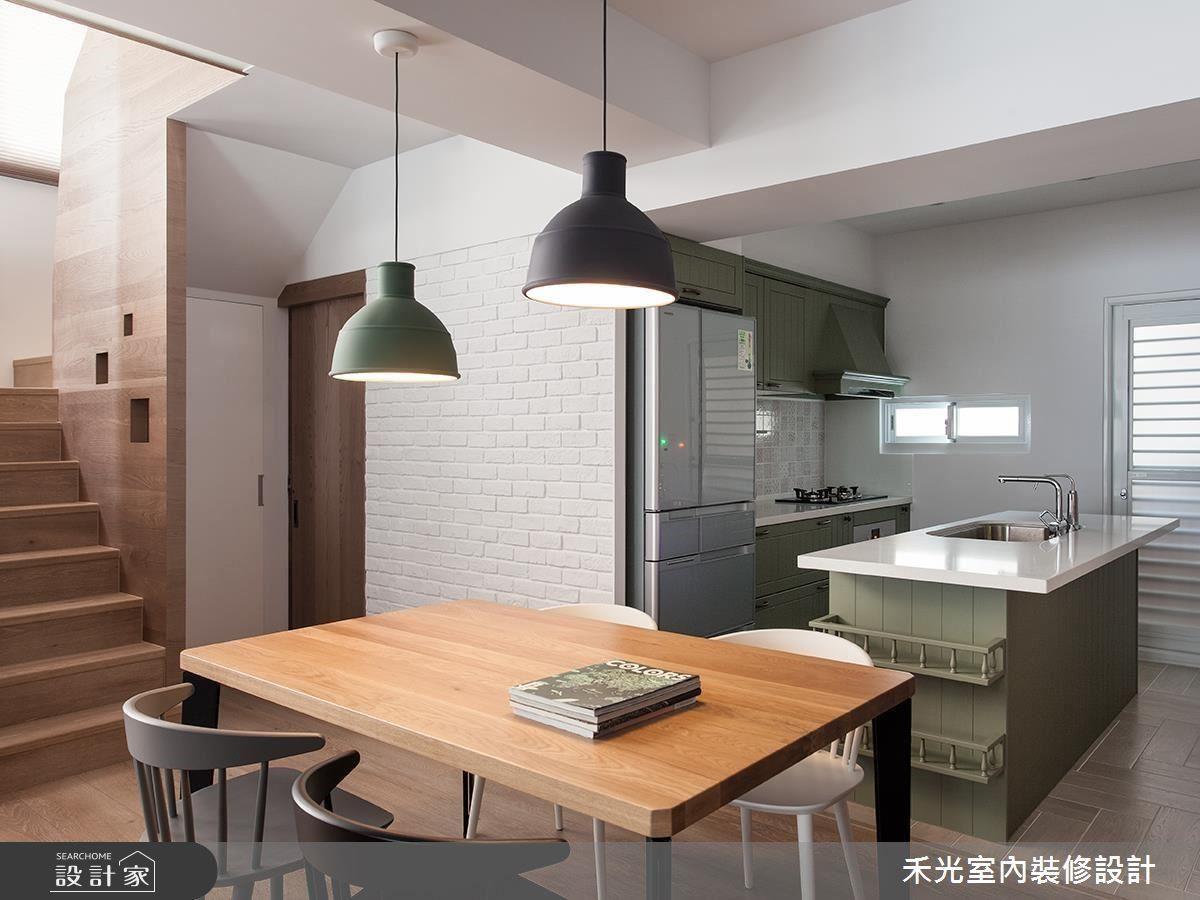 復古綠色的特製中島搭配同款廚具,牆面點綴精美復古磚,淡雅的鄉村風情讓餐敘情境更顯溫馨。