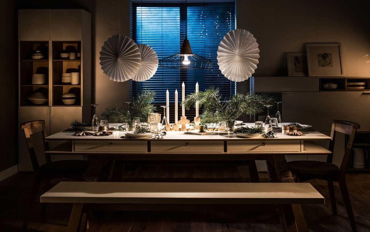 燭光、燈光、美食、歡笑不可或缺的節慶季節,絕對少不了一張貼心又聰明的設計款餐桌。