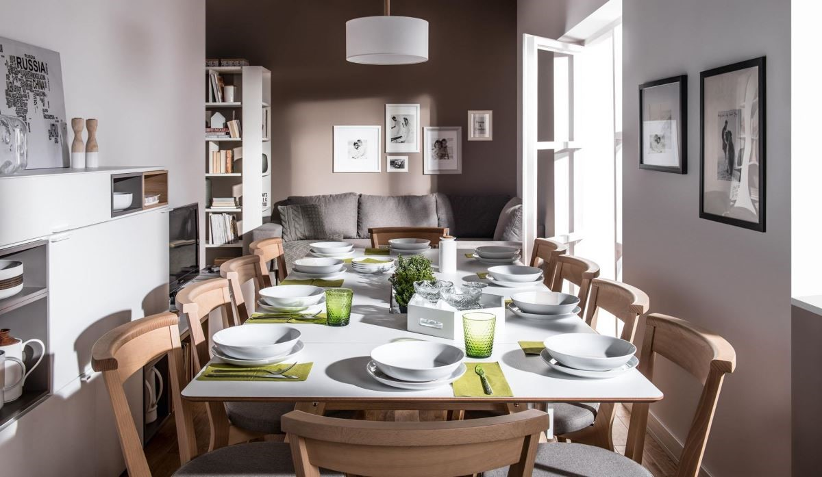 4 You 這款多功能桌,最擅長解決現代住宅空間不足的疑慮,可隨意變長、縮短的桌面設計十分人性化,有了它,就算幾代人同堂共餐也不成問題。