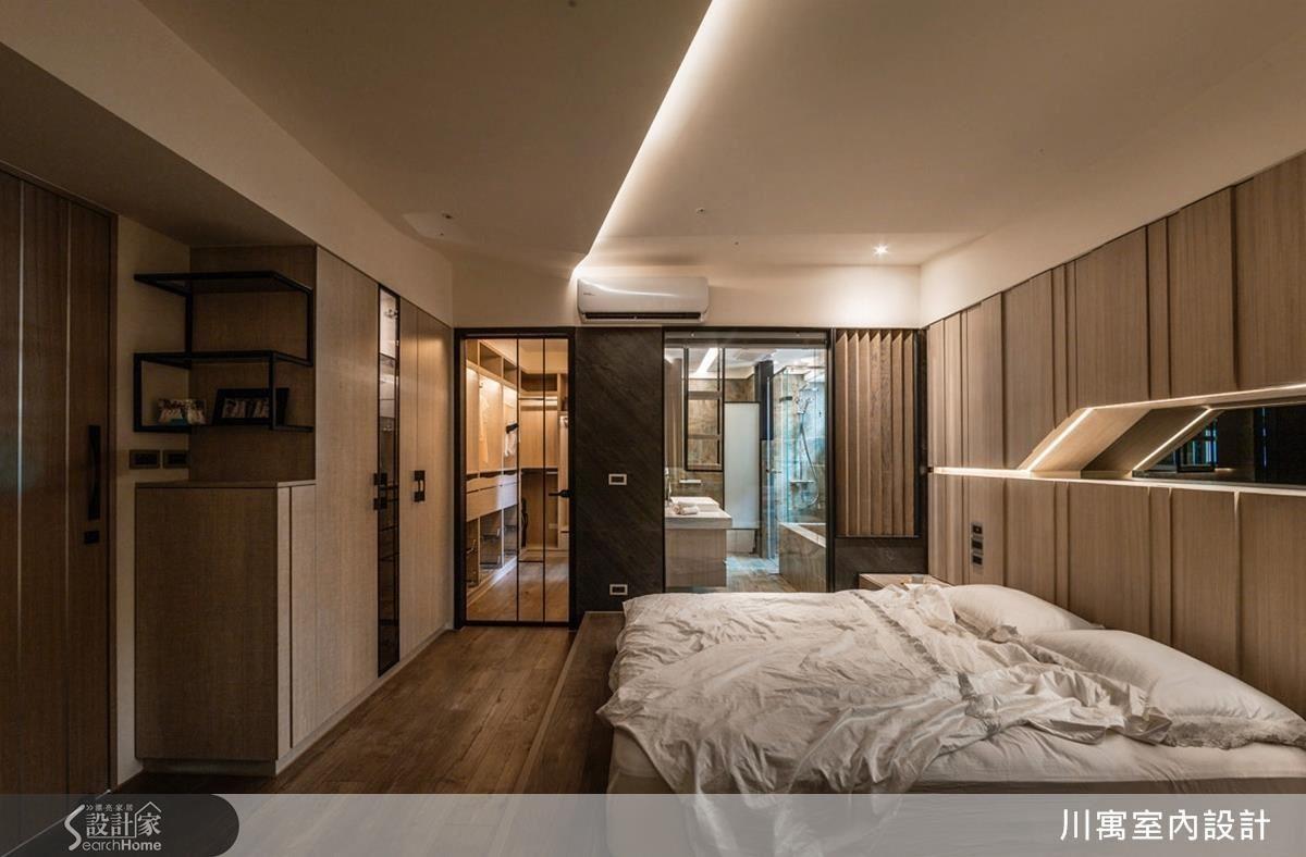 主臥更衣室和浴室以玻璃區隔,提升視覺穿透感,營造有如精品飯店的質感。
