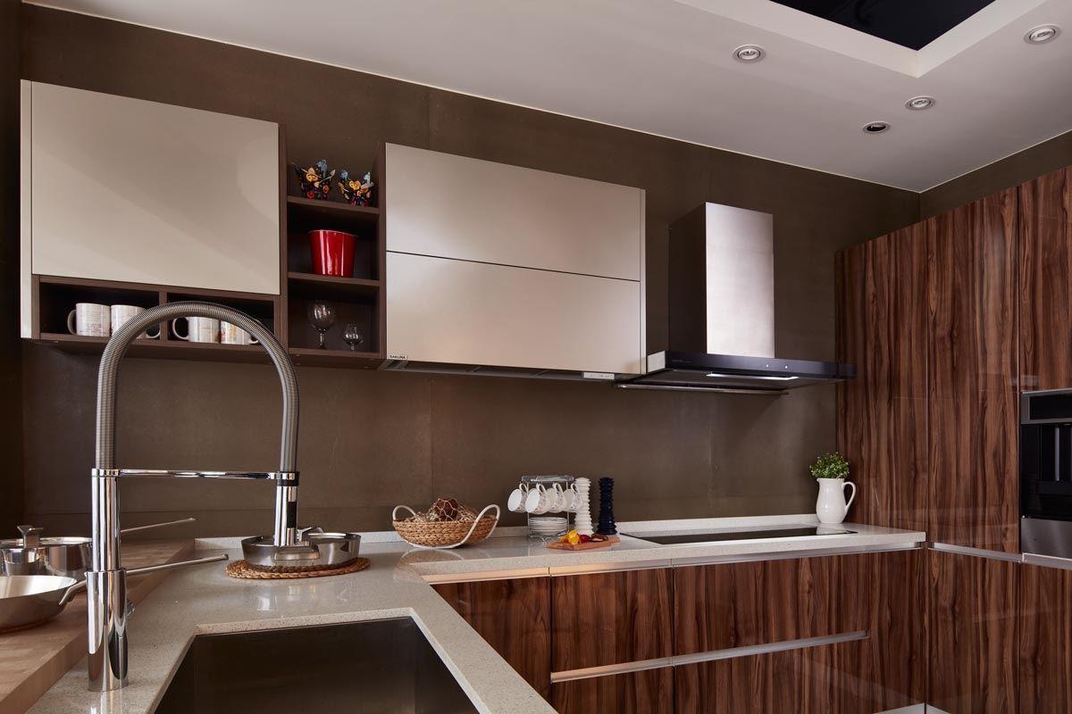 開放式廚房最令人在意的「油煙問題」要如何利用新一代的廚具解決呢?
