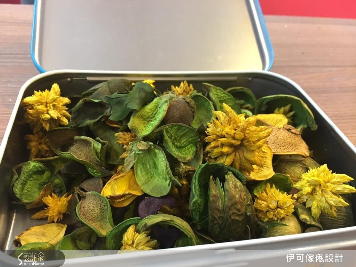 在 IKEA 購置的乾燥花。