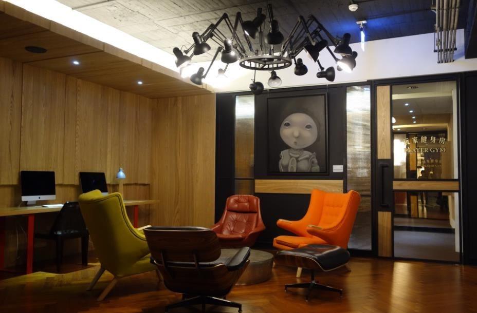 紅點文旅空間中與藝術銀行合作的實例。