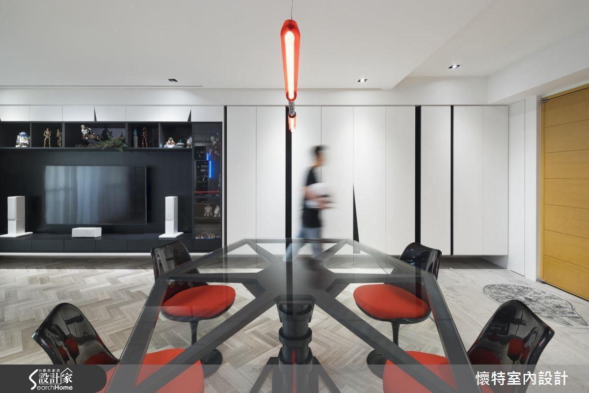 餐桌由帝國軍的鈦戰機作為靈感,連設計者林志隆設計師也直呼好想擁有的獨創家具。