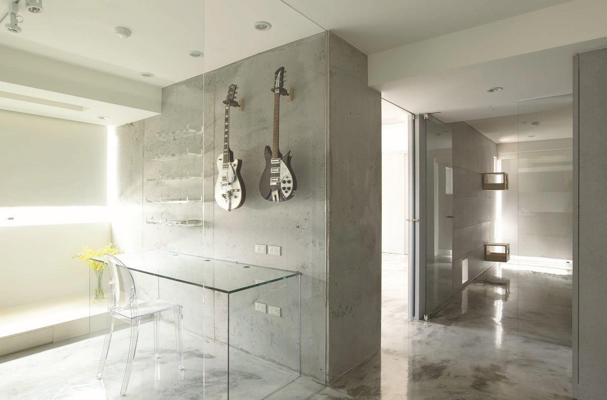 搖滾樂手們的家滿是剛毅個性,讓篤實的水泥固定每一個空間,卻又以特有的顏色展現輕質光感。