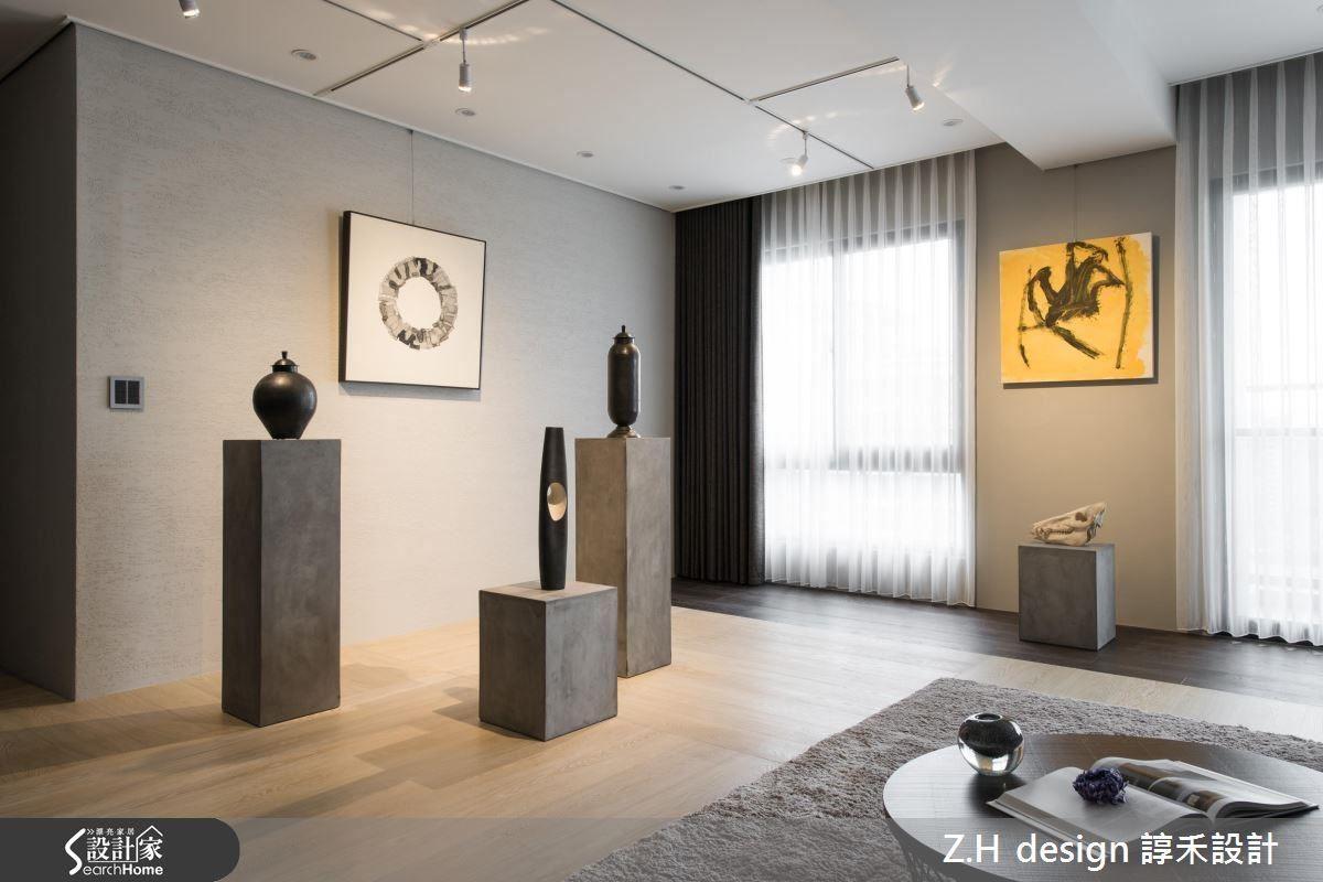 利用縱橫交錯的軌道照明,結合各種家具與藝品擺設,隨心營造各式光影表情。