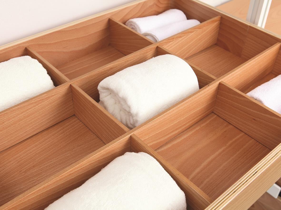頂茂家居更衣間系列精緻的格櫃最適合用來收納私密小物,光是整齊排列就有夠賞心悅目。