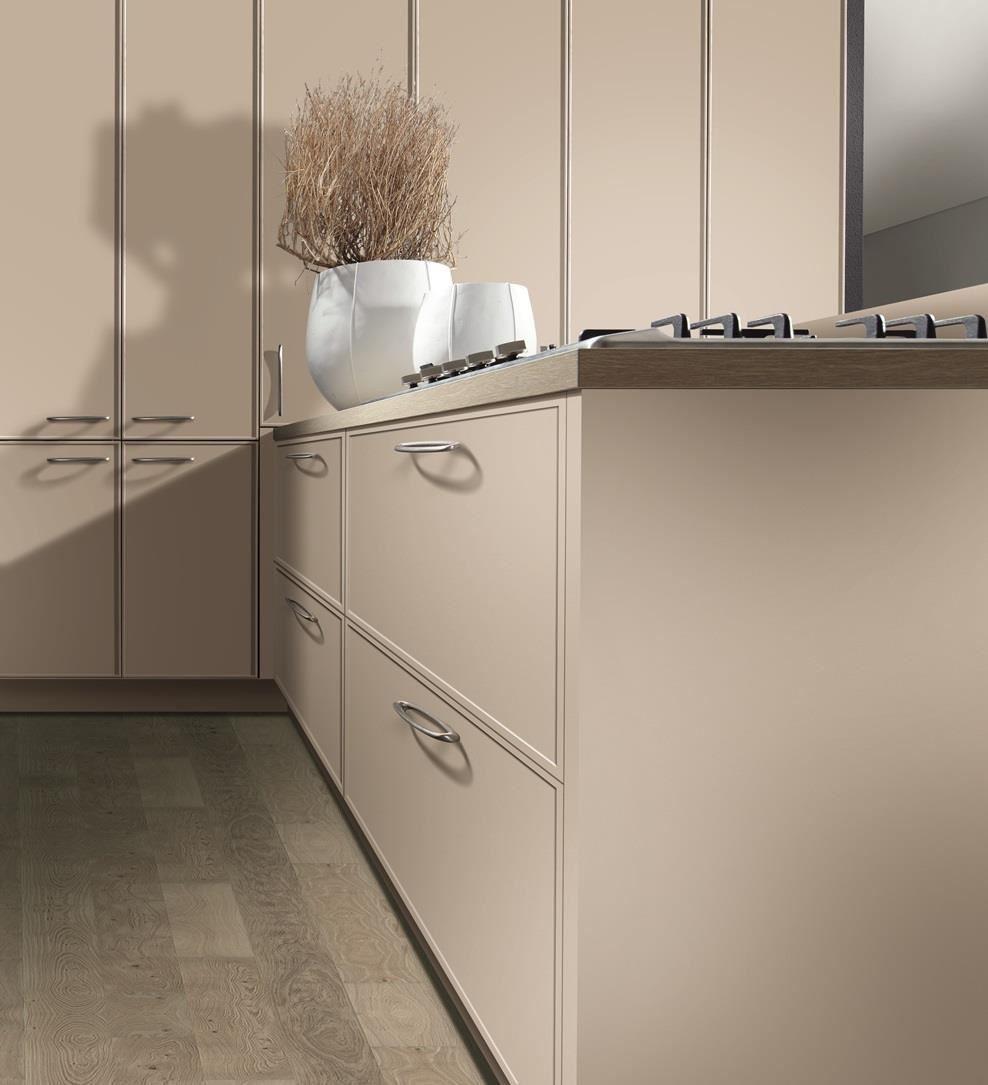 另外有手把設計,柔和的流線,搭配光影呈現細膩的典雅氣質。
