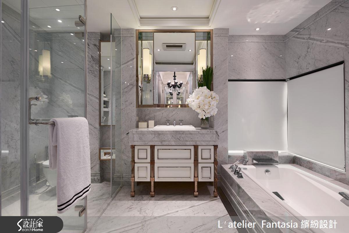 如果你在衛浴空間中使用大量昂貴的金屬、木造家具或建材,不妨以及頂門片保護家具,延長使用壽命。