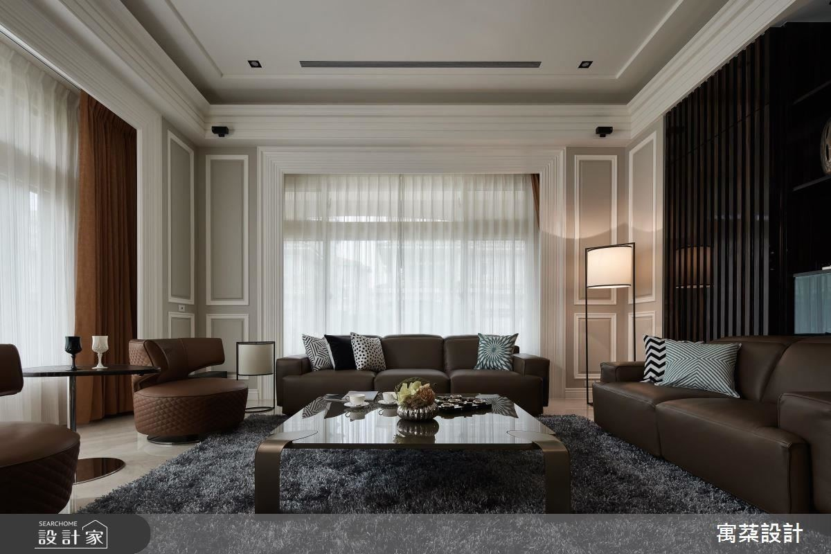 經典黑白灰主色調,搭配天然大理石地板、進口窗簾布料,具備各種經典元素與色彩,米色和大地色軟件配飾,歐風精品時尚的完美體現。