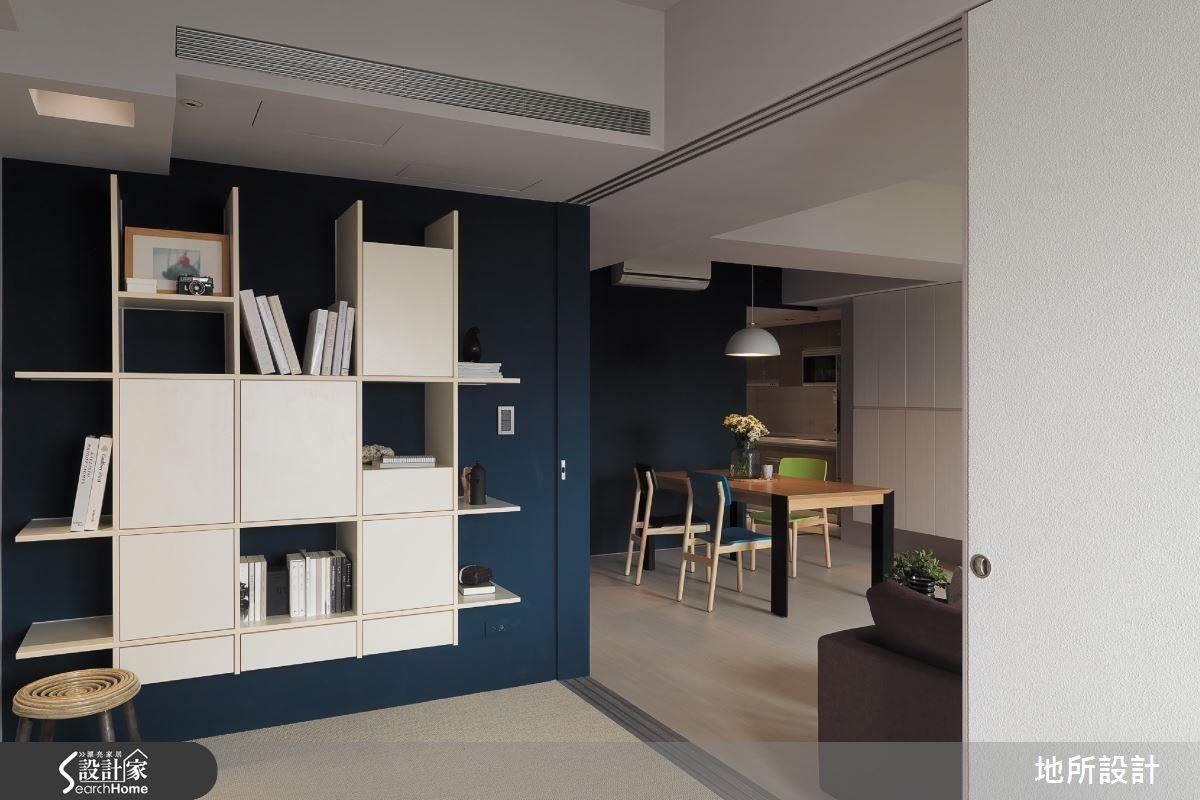 客廳後的彈性空間:平時可做運動、冥想、閱讀。偶而來訪的親友,可另外隔間成為客房,平時開放使空間開闊。