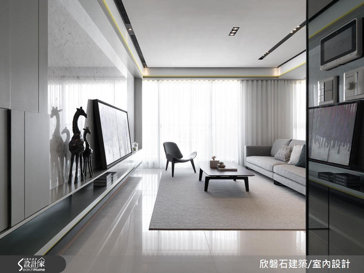設計師將立面線條以大面材質、色彩為空間紓壓,一進門就能感受立面帶來的視覺延伸,檸檬黃的線條則在精緻感中帶入幾分活潑。
