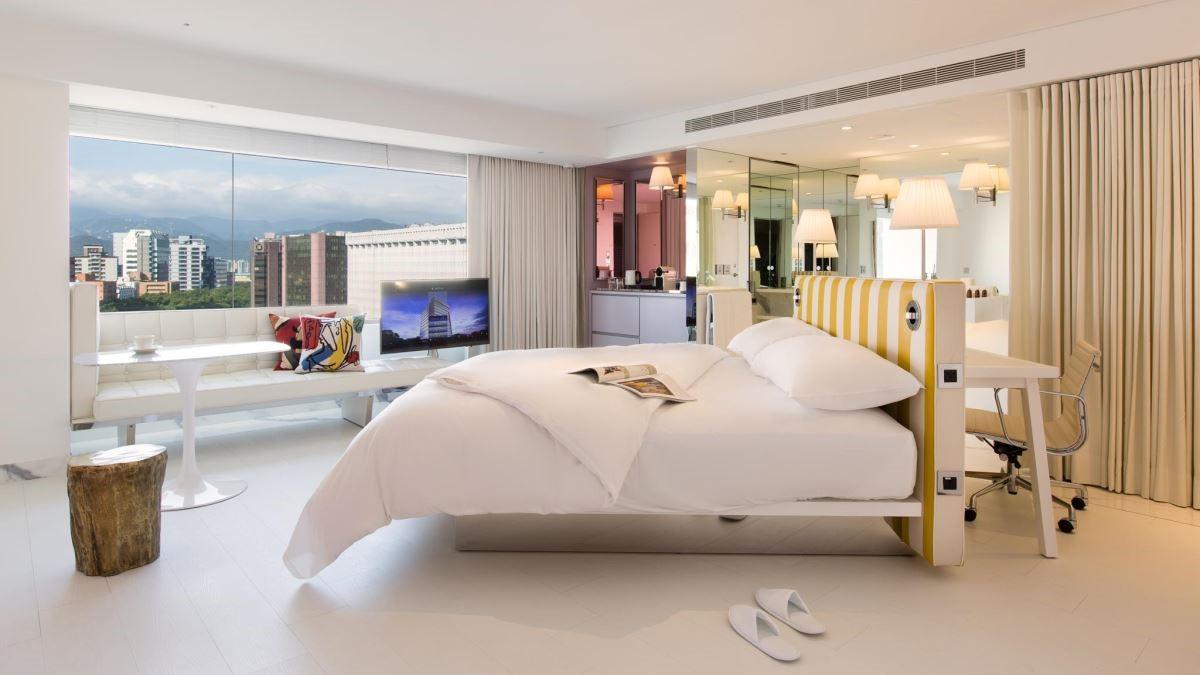 每間房間均擁有良好視野,可以眺望台北都會美景(此為豪華客房)。(圖片提供:S Hotel)