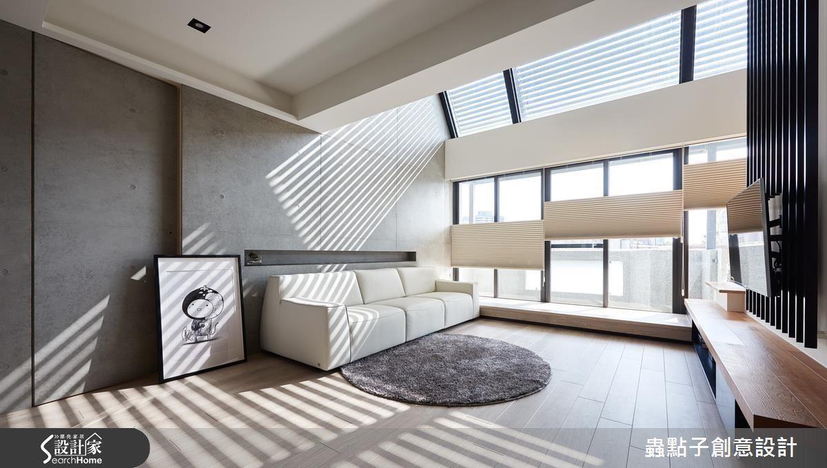 充沛的陽光是三個世代的共通語言,並將長輩的臥房設置於 1 樓,兼顧各世代的起居動線與採光需求。