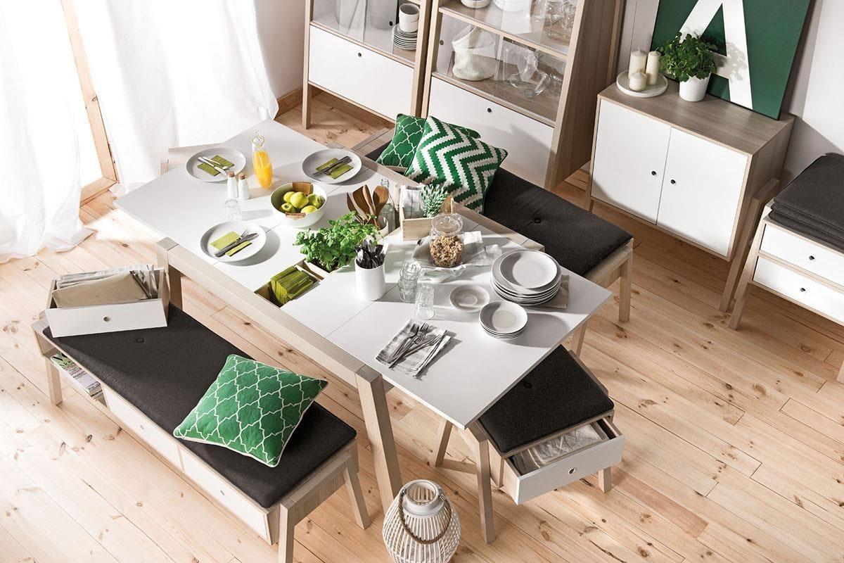 SPOT 餐桌桌面可以機動延長,嵌合式的桌板下擁有貼心的分區收納巧思。