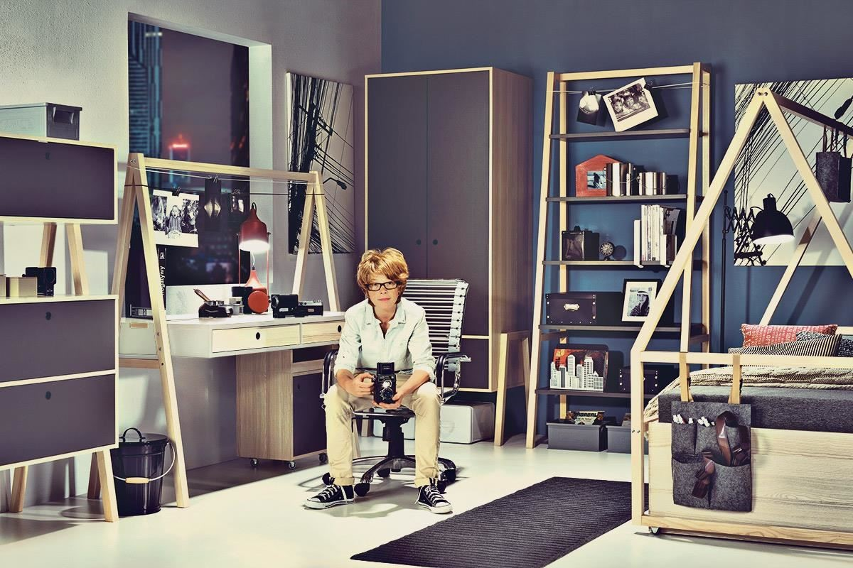 SPOT 成長型書桌高度可調的三段設計,從國小到成年階段的使用都沒問題喔。