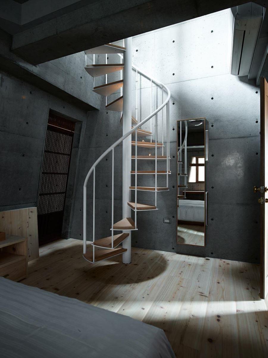 走入二樓客房後,可沿著旋轉樓梯再度向上,體會迷宮般的驚奇享受。