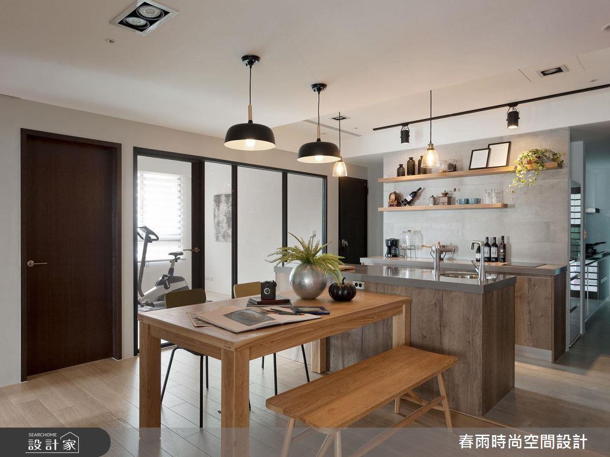 中島吧台除了串連空間,更能創造流暢動線、輕易區分熟食與輕食區,同時更便於清潔。