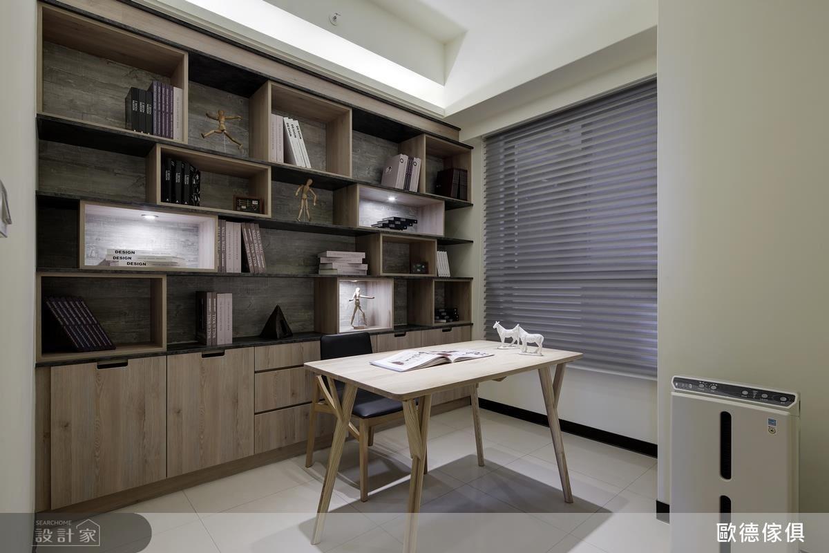 因應空間實際條件,以多種色彩及造型板材,規劃出舒適兼具展示機能的個性閱讀空間。