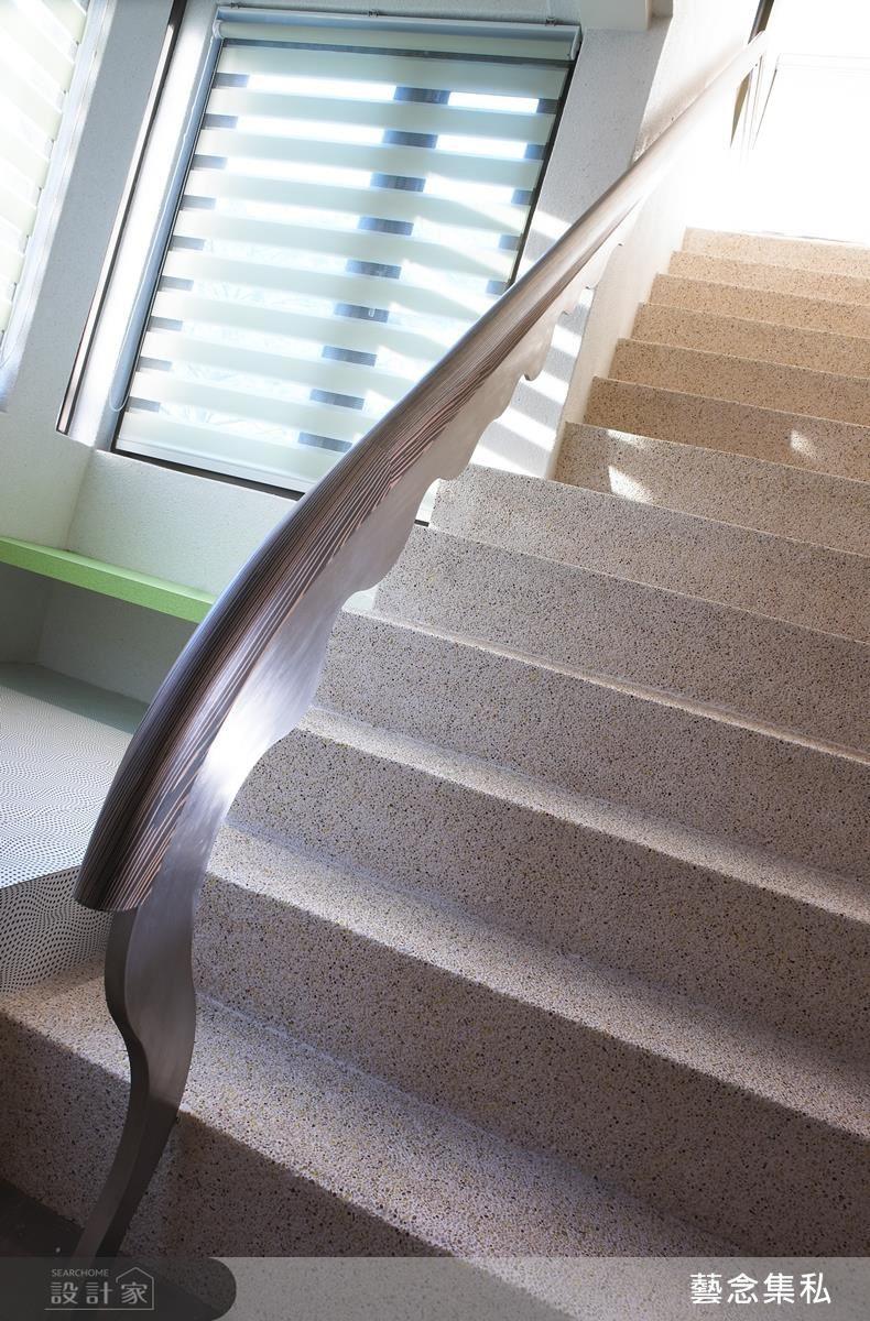 當屋主沒有特殊的收藏嗜好或藝術品欣賞的狀況下,設計師可以改造既有物件,例如將樓梯把手設計成特出造型,自成藝術美景。