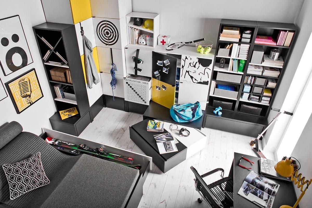 非常活潑的 Young User 系列,擁有多色金屬、布面門板可抽換搭配,多款尺寸櫃組可堆疊組合,櫃子最下層設計雙色活動抽屜盒,這是一款如同積木式趣味十足的家具系列。