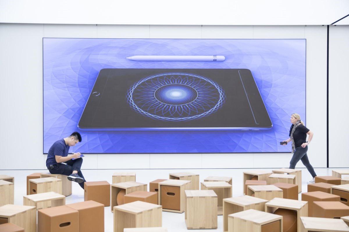 店內最大看點The Forum(互動坊),提供培訓師的免費專業講座,拉近產品與使用者的距離。
