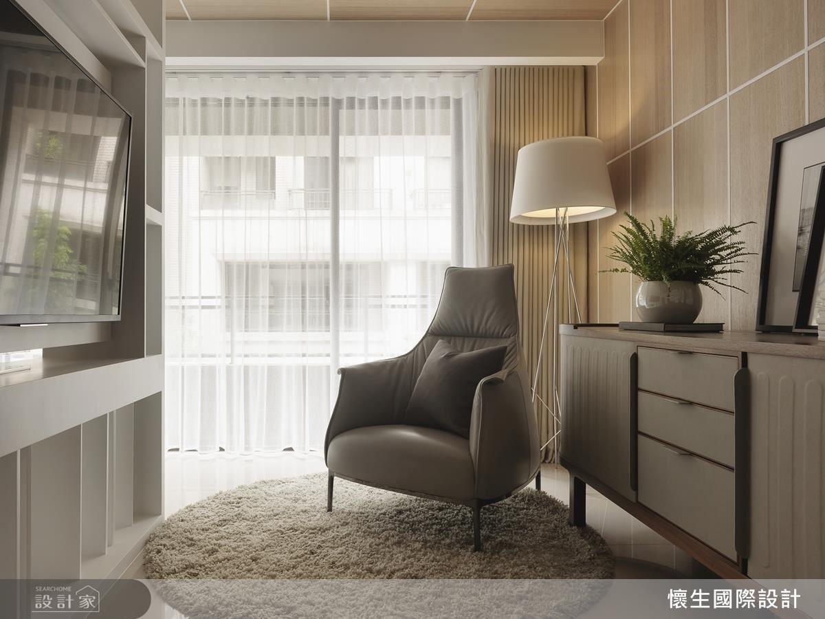 輕透棉麻白紗布為臥室帶來柔美溫情,散發一股舒適浪漫情懷。