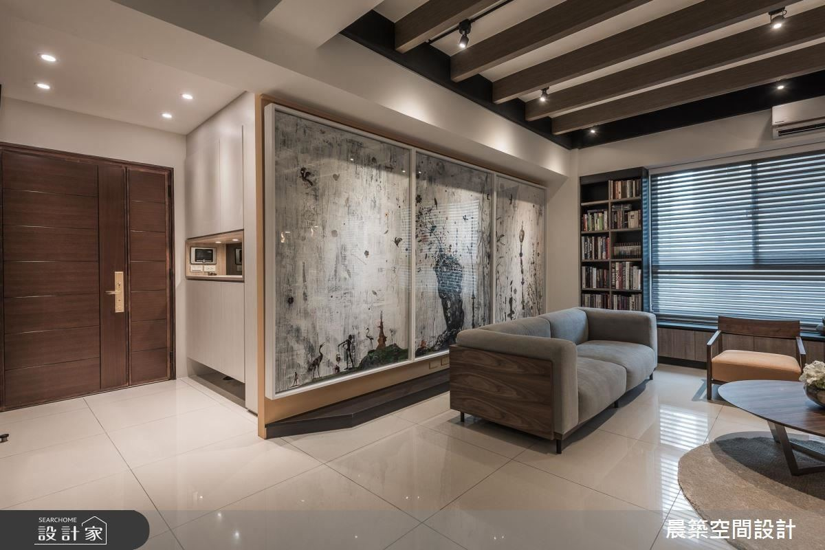 巨型畫作設計的背景主牆,延續藝術鑑賞的美學精神,表達藝文美宅的生活態度。