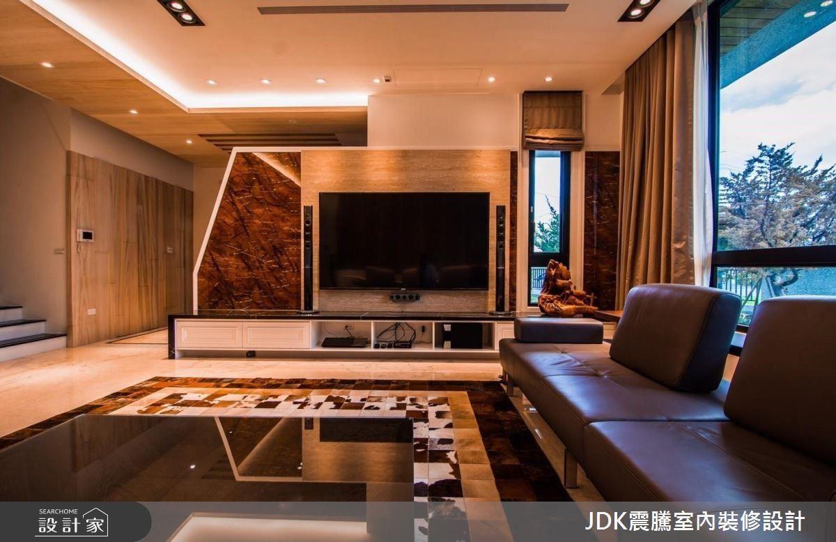 低調奢華的大廳設計,讓你一進門就感受到寬闊通透的氣度。